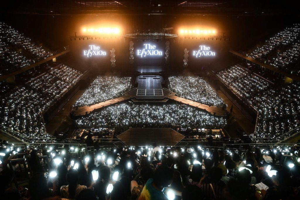[Image 1] EXO PLANET #4 – E_yXiOn – in BANGKOK